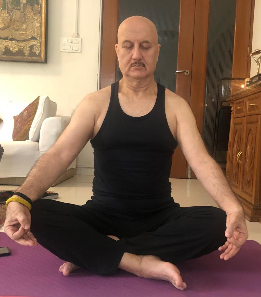 Lockdown didn't stop Anupam Kher from pushing his limits. Be it yoga or gym he is seen here inspiring and uplifting our weekly blues.
